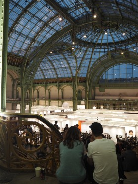Lovers in the Grand Palais :)