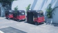 Tuk Tuk queue