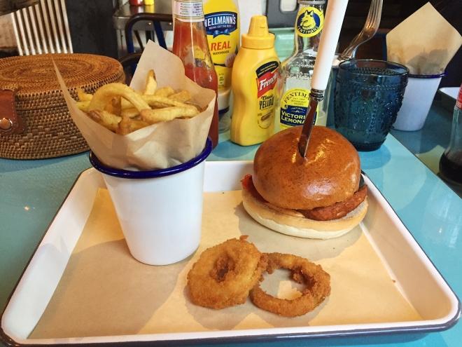 Halloumi Burger Everyman Barnet