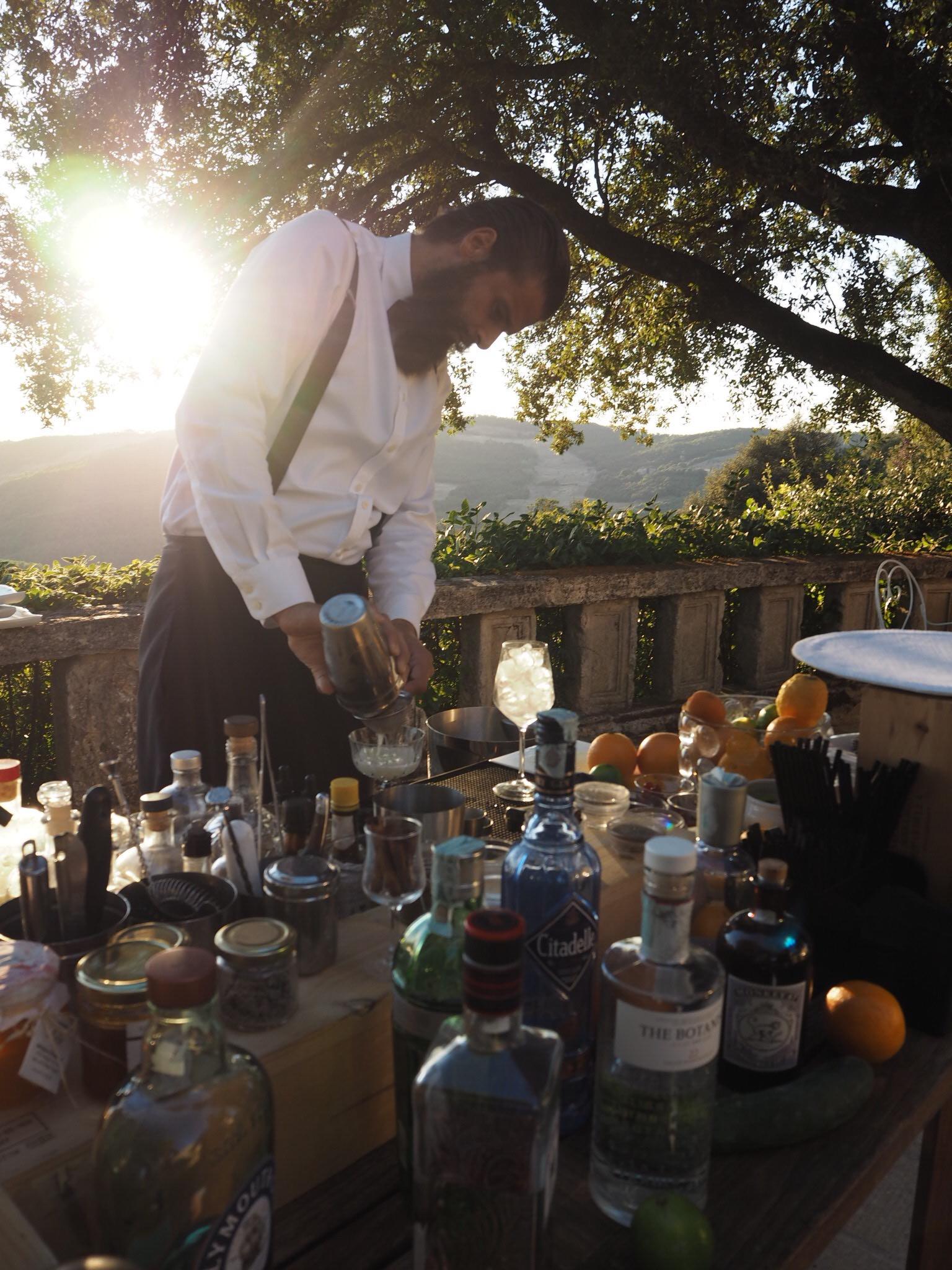 Francesco serving cocktails
