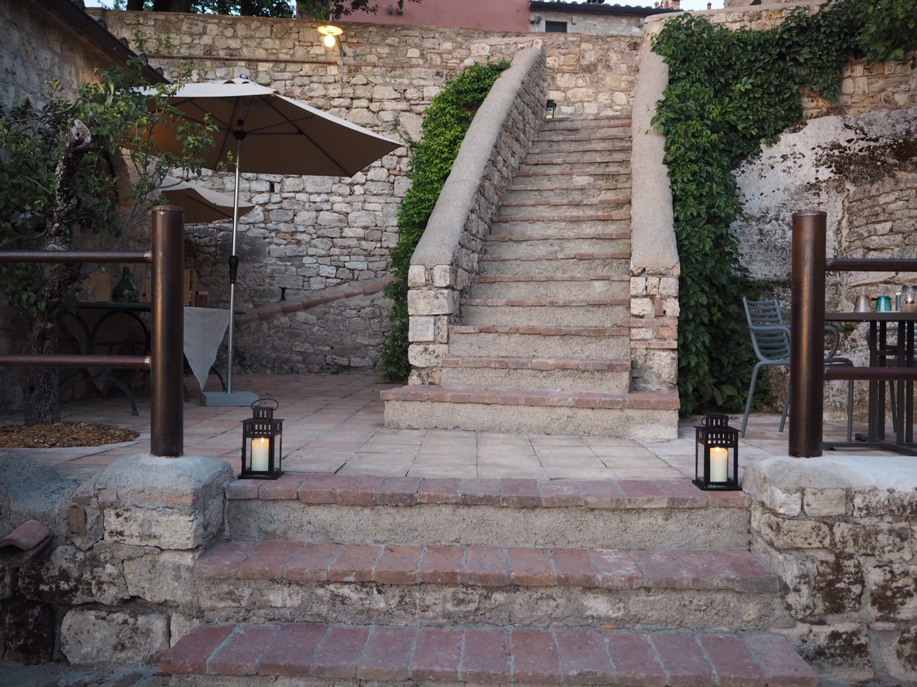 Stairs down to the Al Fresco restaurant