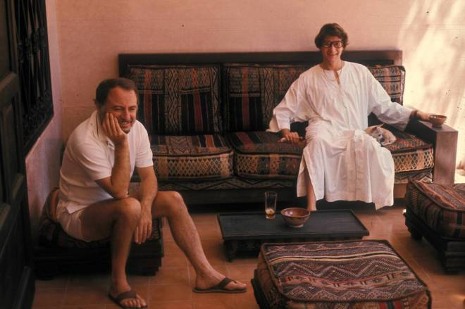 Pierre-Berge-and-Yves-Saint-Laurent-in-Marrakech_1977-c-Guy-Marineau