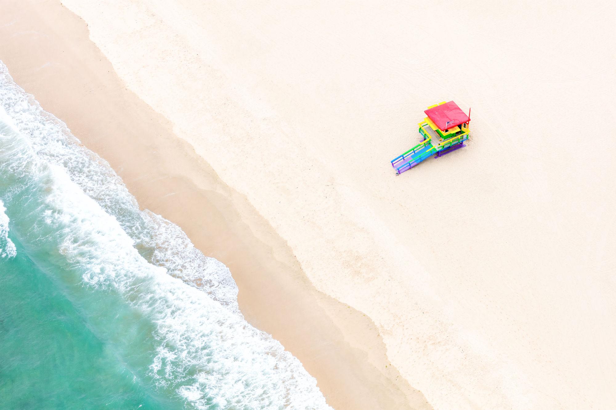 Rainbow_Lifeguard_Stand__Venice_Beach