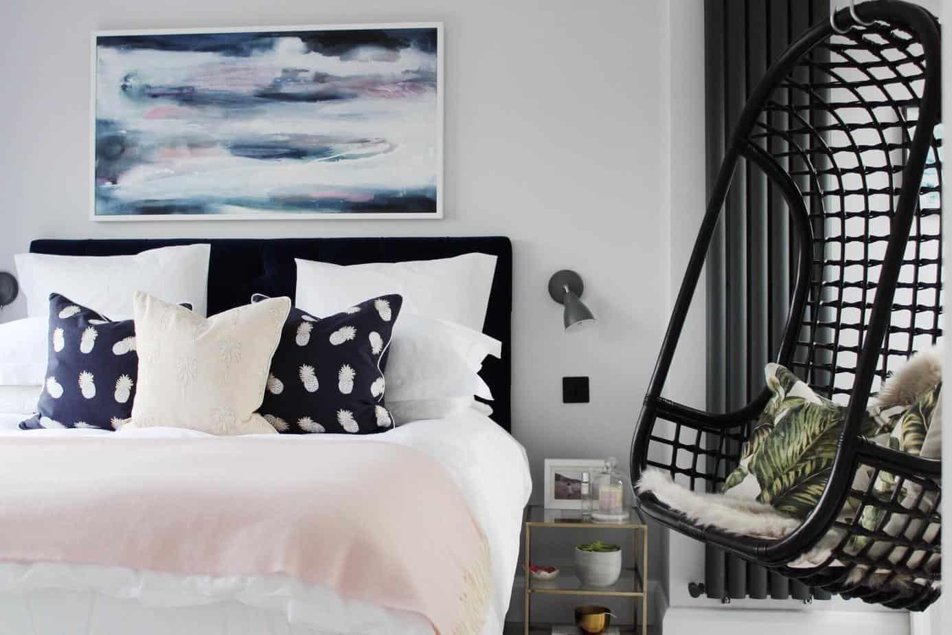 Antonia Bedroom